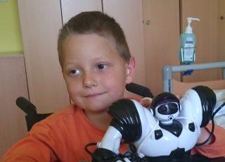 Robot pre Dávidka, ktorý kvôli chorobe oslepol